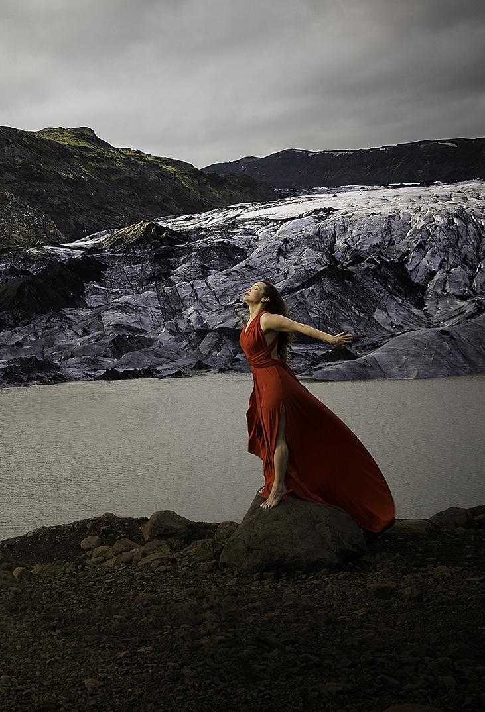 destination photoshoot in iceland