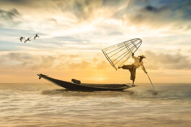 fisherman-2739115_640.jpg