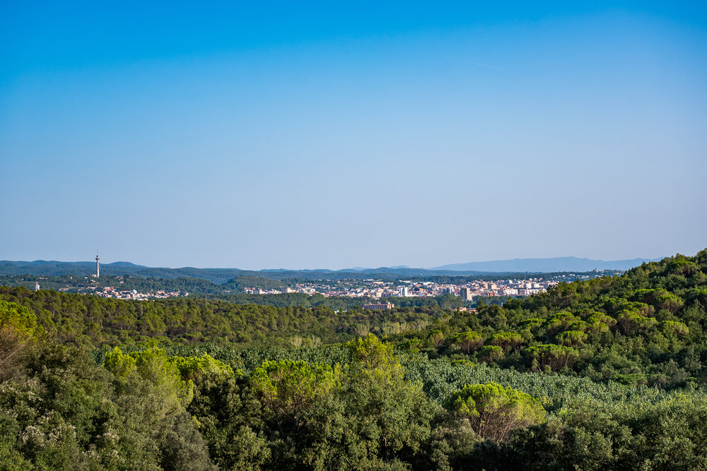 The view towards Girona from Mas Murtra. Photo by Tobias Wang.