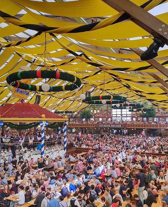 Paulaner Tent! 🍻 #oktoberfest2017 #paulaner #events #beer #tent #münchen #fun #newfriends #morebeer