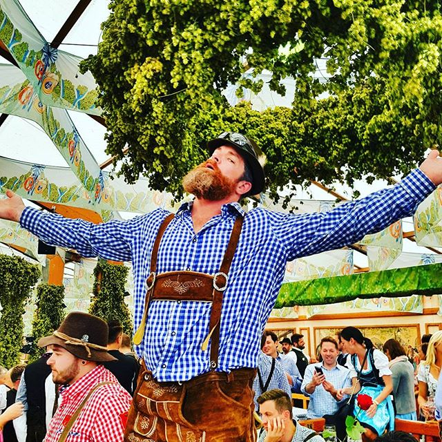 When the Canadians come to play at Oktoberfest. 🍻 #oktoberfest2017 #canadian #munich #traveltheworld #beers #beard #beeradventures #germany #insidermoments #dressedup