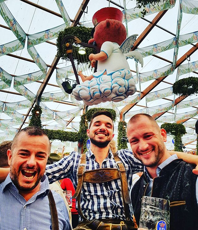 Oh the memories....Beer tent fun times 🍻 #oktoberfest2017 #beerbuddies #beers #hofbrau #cheers #prost #funtimes #insidermoments #beertent #munich #germany #travel