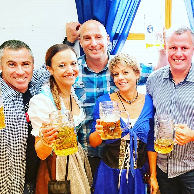 Team New Zealand represented in Munich in 2017. #oktoberfest2017 #2017 #beerbuddies #stein #cheers #beer #seetheworld #insidermoments #funtimes #teamnz #travellers #dressup  @trudi.m @creniac