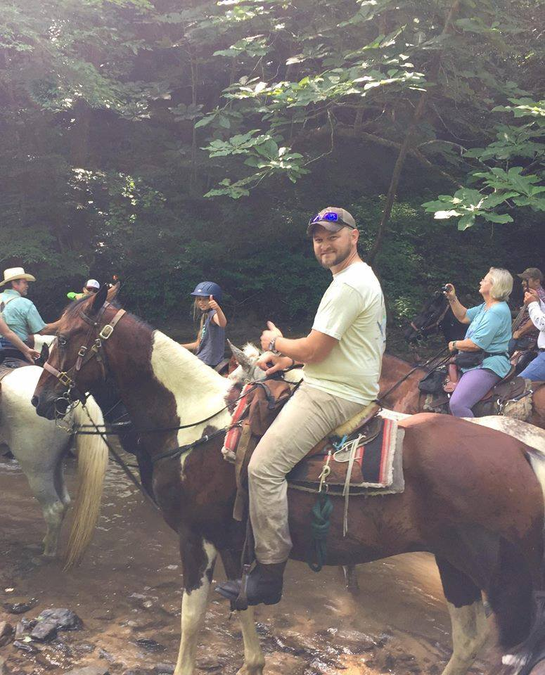 You're not alone - We know the feeling of wanting to get outside and get back into nature. There's no better way to connect with your inner self and with nature than by riding a horse.about us