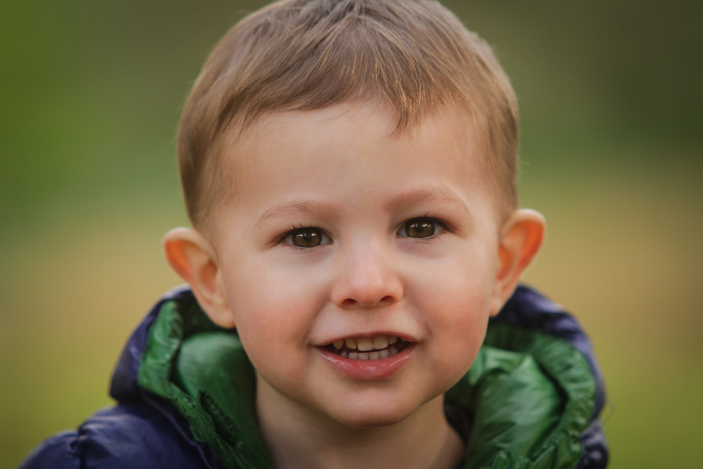 Hamilton-photographer-toddler-portrait-outdoors.jpg
