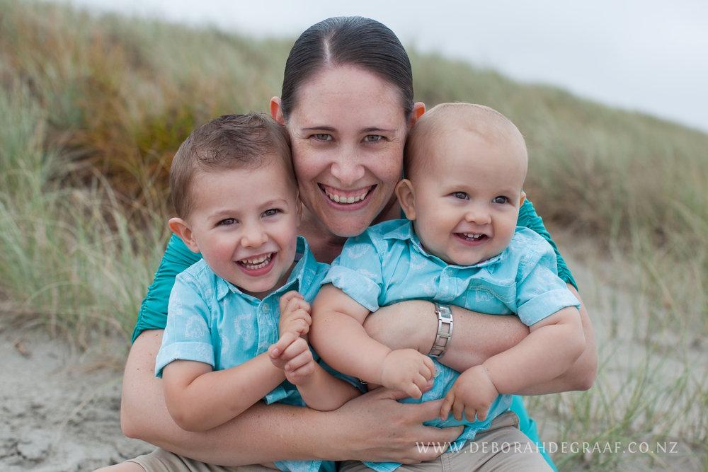 Tips-for-choosing-a-family-photographer.jpg