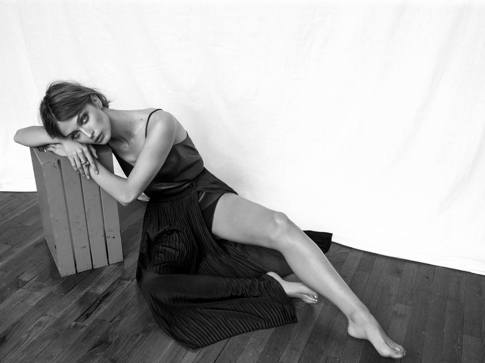 BeckySiegel-VictoriaPlum-2Y5G7049 2 b&w.jpg