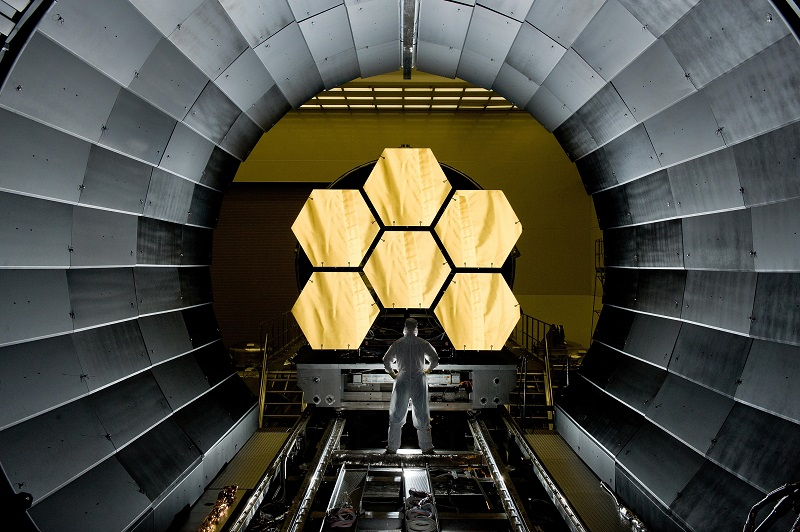 ( NASA engineer Ernie Wright looks on as the first six flight ready James Webb Space Telescope's primary mirror segments are prepped to begin final cryogenic testing at NASA's Marshall Space Flight Center  | NASA/MSFC/David Higginbotham)