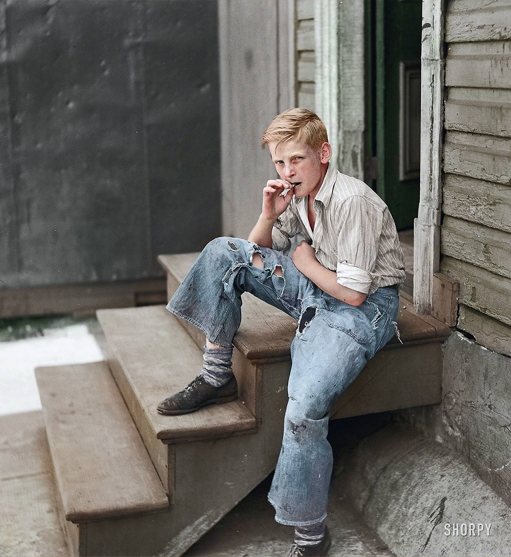 (Young boy in Baltimore slum area, 1938 |  Shorpy )