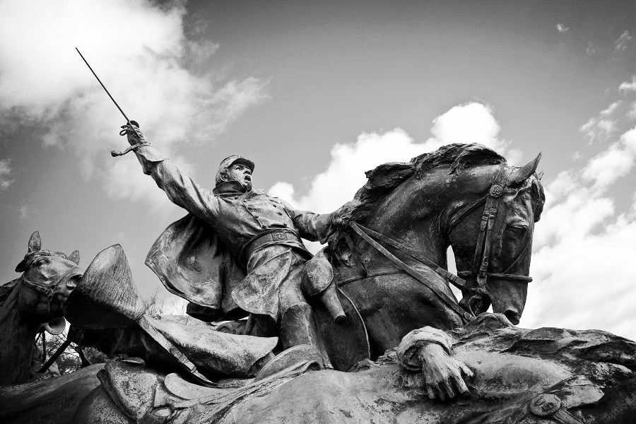 ( Grant Cavalry Statue  | Nicolas Raymond)