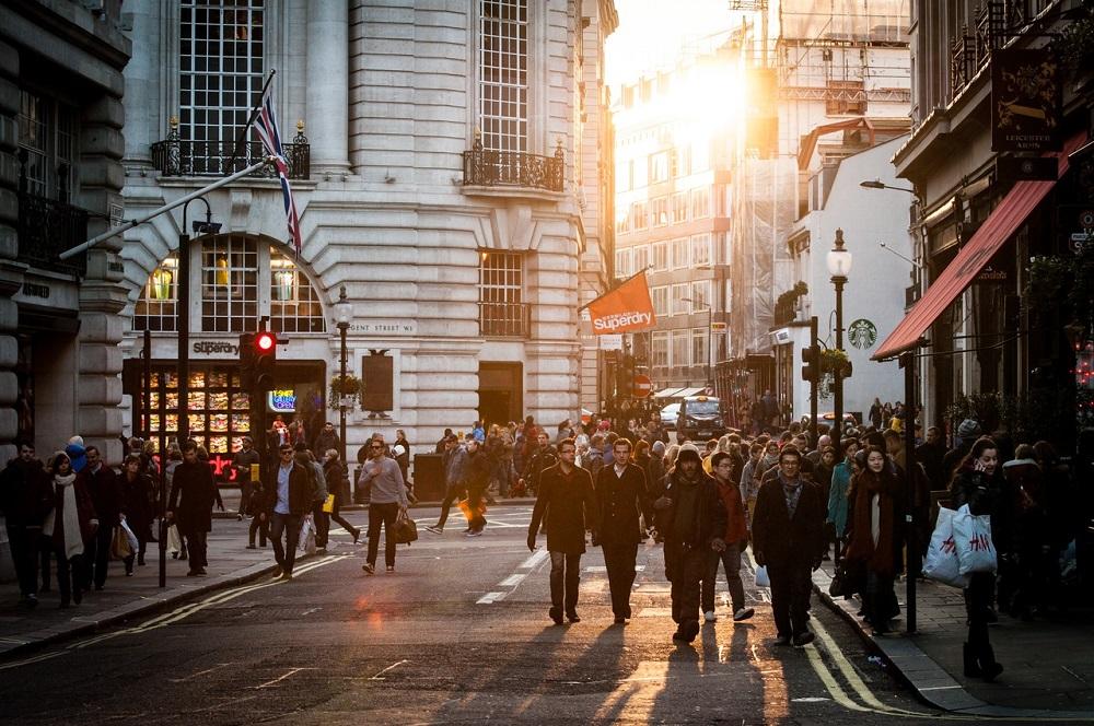 ( Walking in the city  | Unsplash)