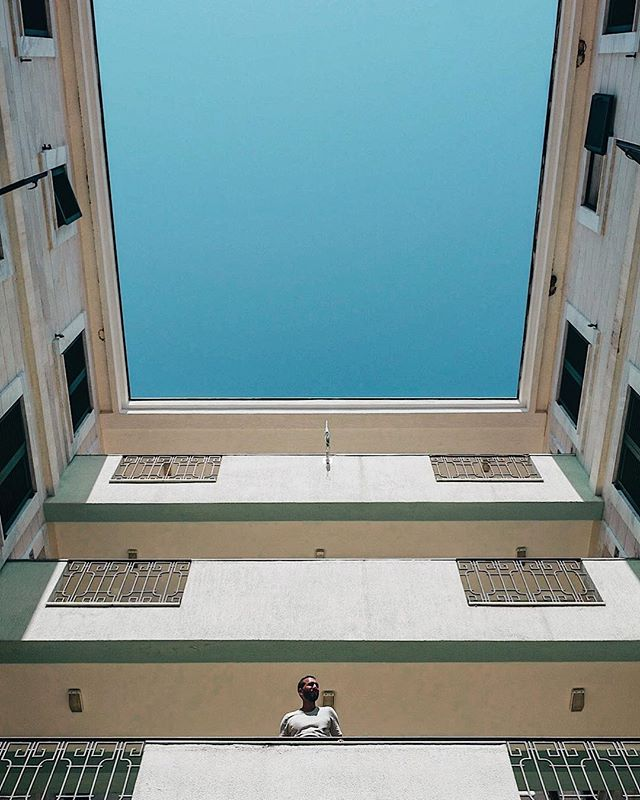 🎧: Forever and a Day - Damien Dempsey // Waiting / A l'affût . . . . . #cettesemainesurinstagram #ccunderfollowed #SOULMINIMALIST #trappingtones #rsa_minimal #instagood10k #urbanromantix #minimalmood #fubiz #minimalism_world #awesomeminimal #buildingames #Archi_Features #tv_pointofview #arkiromantix #theweekoninstagram #ampt #tv_simplicity #minimalha #urbanaisle #minimal_perfection #art_chitecture_ #ongooglemaps #buildingstylesgf #lookingup_architecture #lr_moments #creative_architecture #minimal_lookup #great_captures_minimal