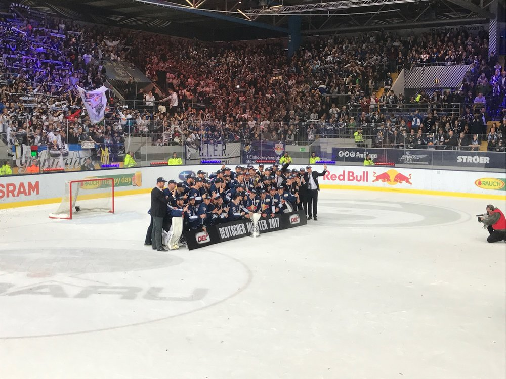 EHC Red Bull München YOKO Yokohama Reifen Eishockeymeister