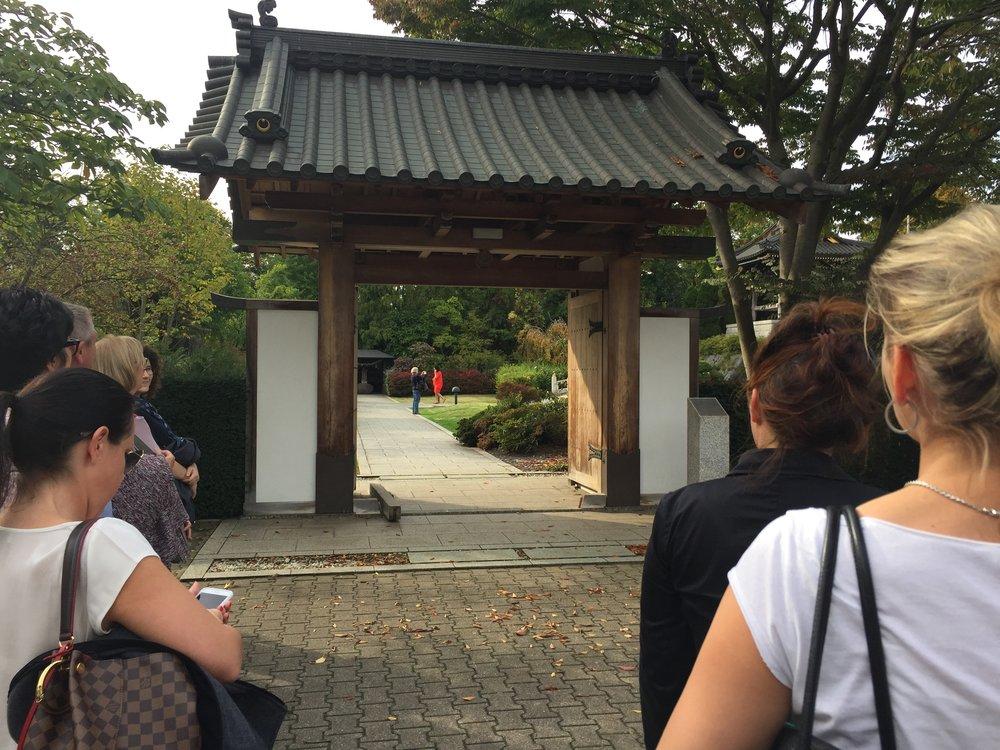 little Tokyo Düsseldorf japanisches Eingangstor zum japanischen Garten