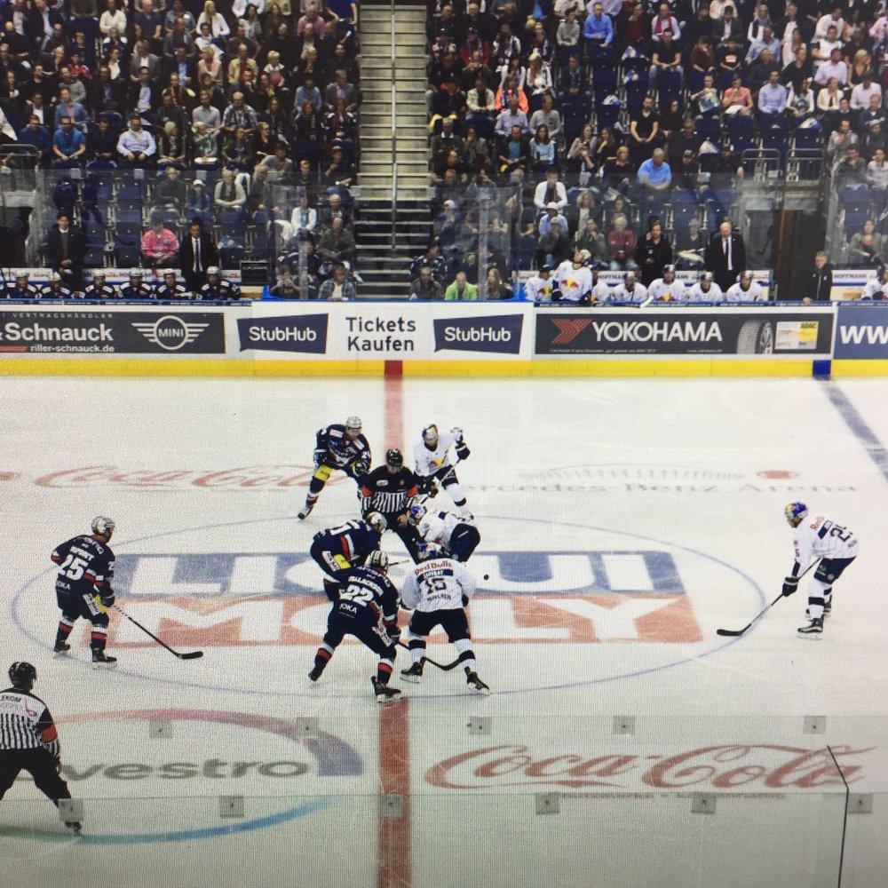 Eishockeysponsoring YOKOHAMA DEG Red Bull München Eisbären Berlin