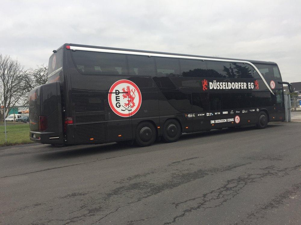 Düsseldorfer EG Mannschaftsbus von Lennartz Busreisen