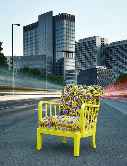 Pompon chair