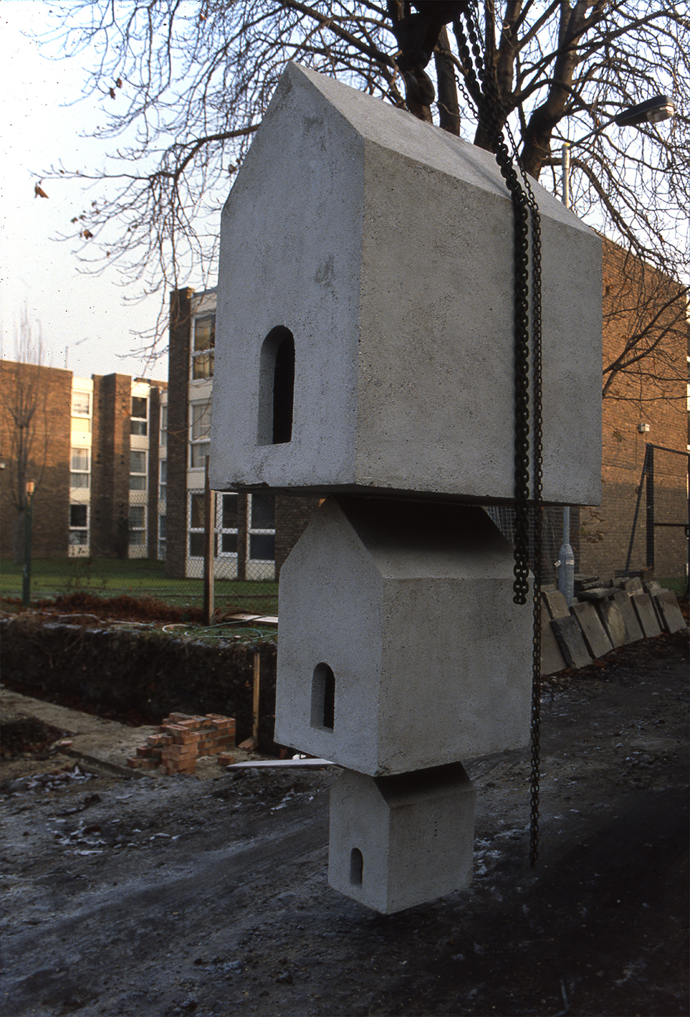 1989 'Untitled' wood and concrete 412 x 165 x 153cm image3 1500px w highest qual prog.jpg