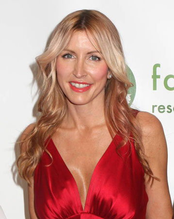 Heather Mills attending a gala dinner evening in aid of Farm Sanctuary
