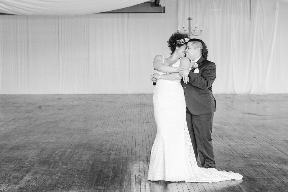 tropical-wedding-inspiration-ct-wedding-planner-26.jpg