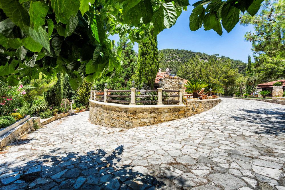Moniatis House-14.jpg