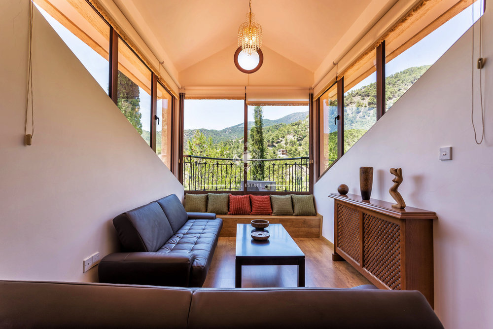 Moniatis House-1.jpg