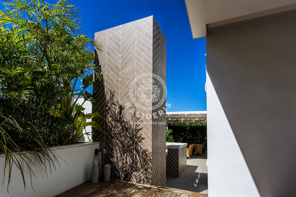 Larnaka House -2.jpg