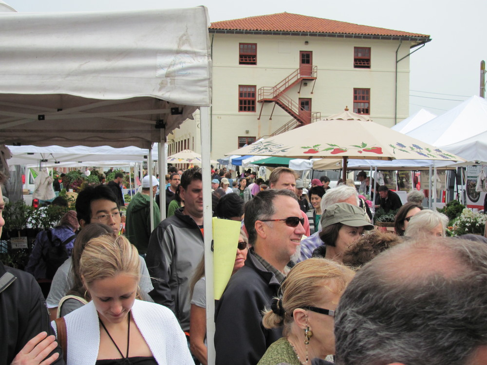 local shoppers at Fort Mason Center Farmers' Market