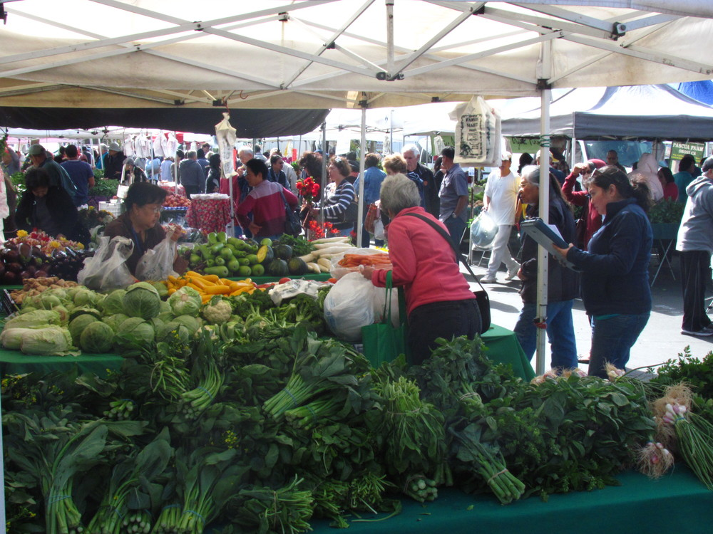 Daly City 20th Anniversary 2011 farmers stall.JPG