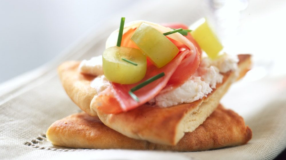 prosciutto-and-pita-triangles-1000x561.jpg