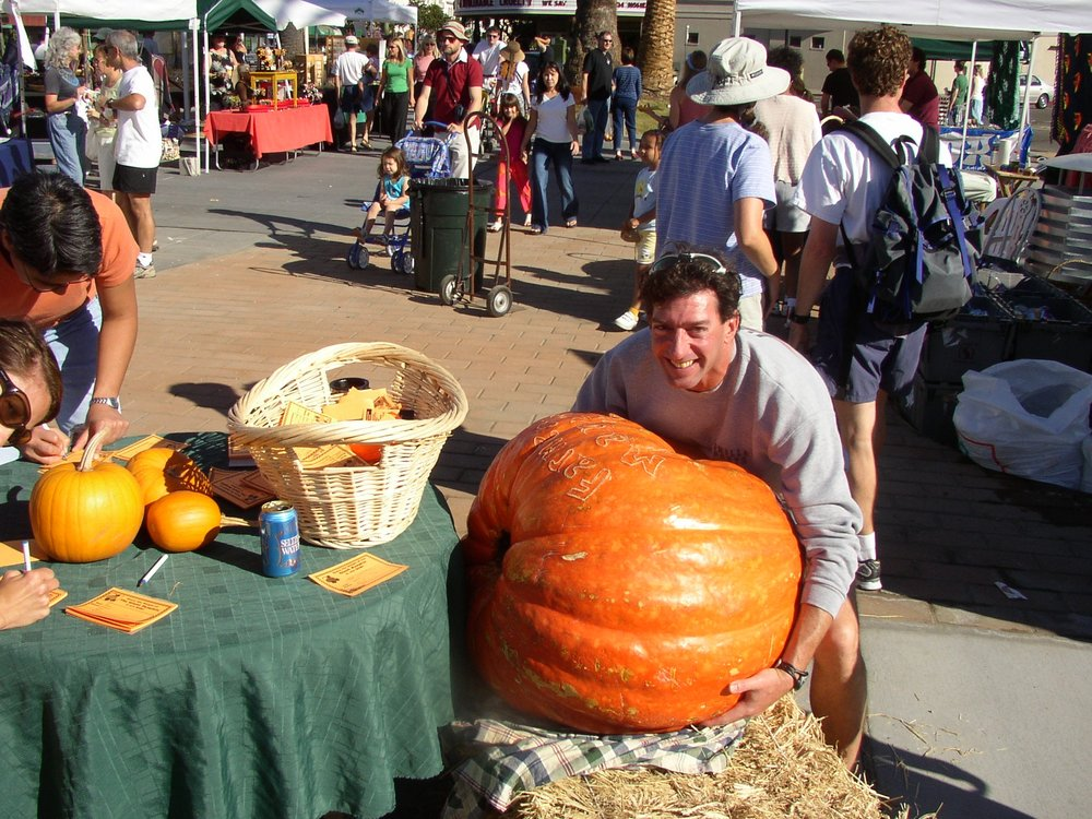 giant pumpkin.JPG