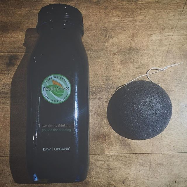 bamboo charcoal konjac + charcoal lemonade = a great way to start off the new year clean, fresh & hydrated!  #wbcolife #revitasize #charcoal #detox