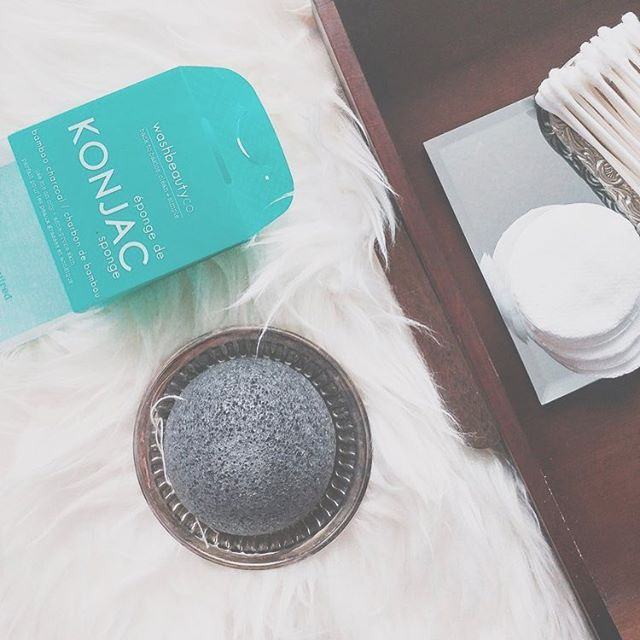 i love being part of your skincare routine. use me with your fave cleanser (just a little goes a long way) + say bonjour to smooth, clean, balanced skin 🍃👌🏼 (📸 @polkad0tsbeauty Blog Post Review with my sister brand @maskeraidebeauty) #wbcolife #washbeautyco #konjacsponge #charcoal