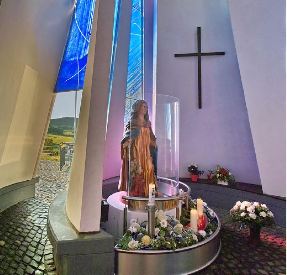 Kapelle Innenaufnahme.jpg