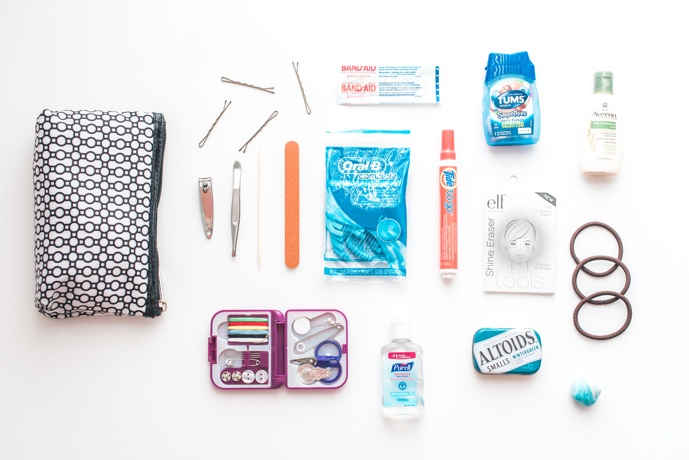 wedding-emergency-kit-for-photographers-brides-bridesmaids