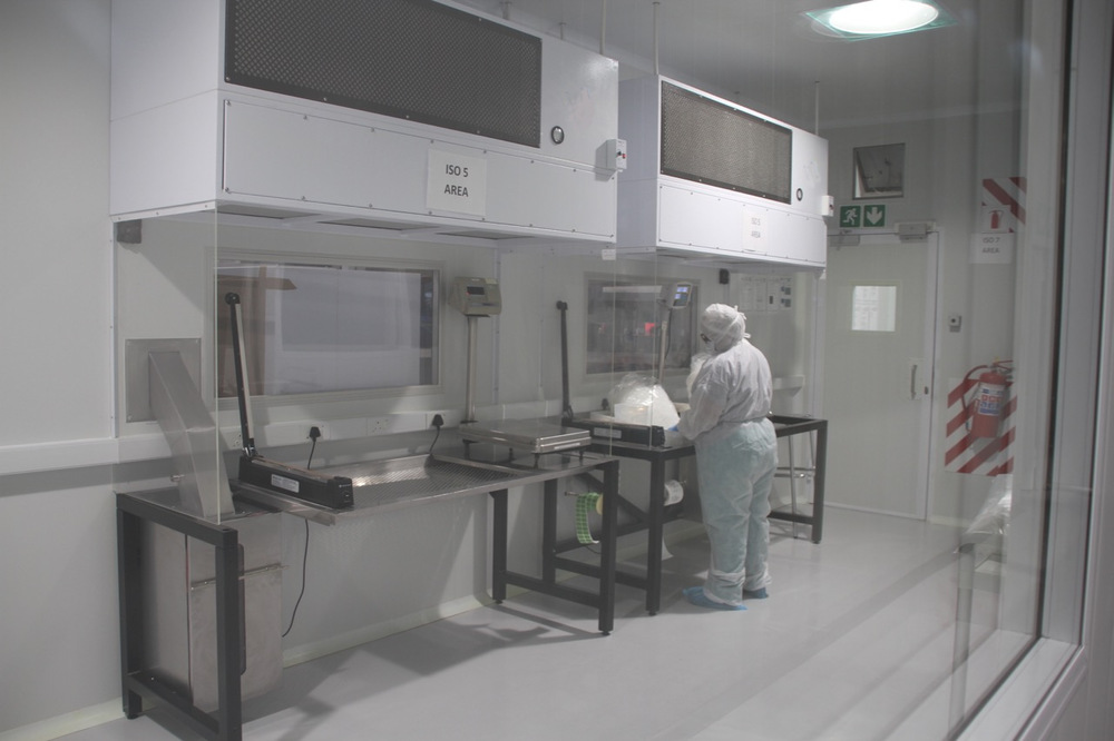 astrapak-clean-room-4.jpg