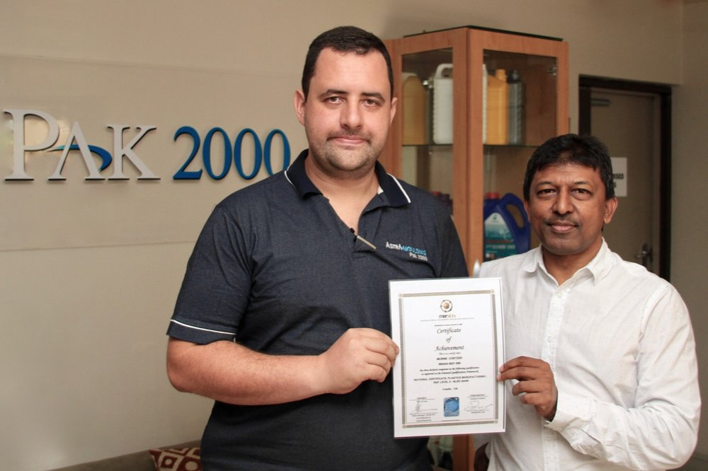 We congratulate Mr Morne Coetzee on his graduation, which earned him a National Certificate on a National Qualification Framework. Mr Coetzee is pictured with Pak 2000 General Manager, Mr Ricky Alli.