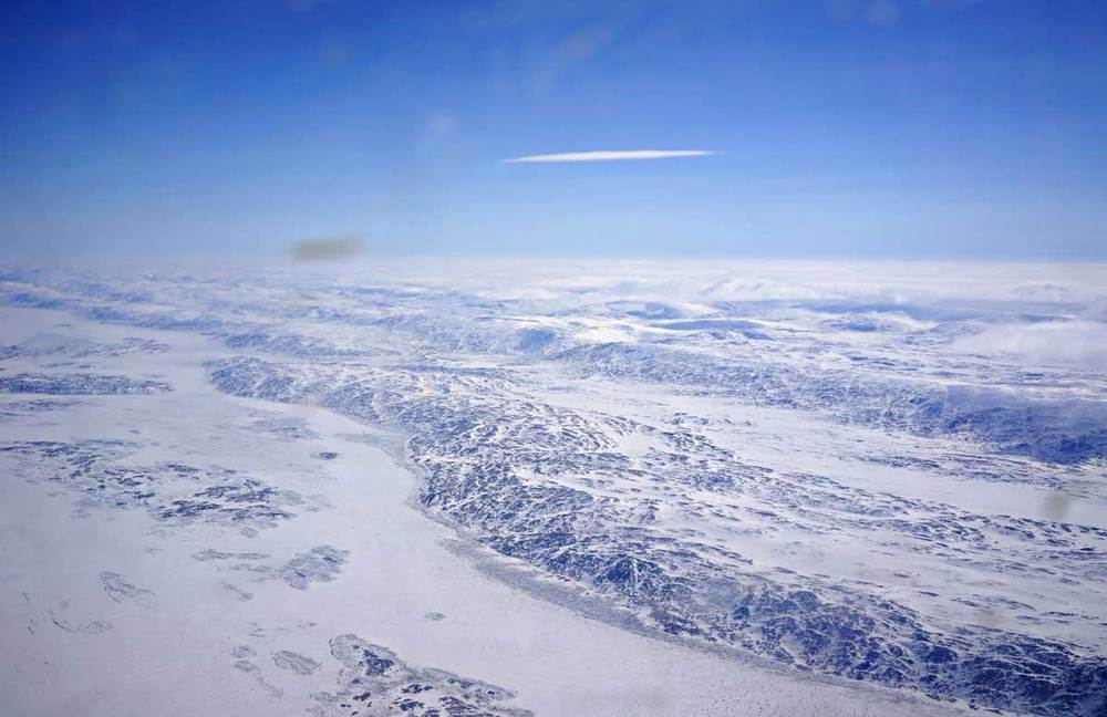 How can you not love the north?!! It gets in your blood immediately. ©Christine-Montague-Cape-Dorset-plane-blog-3
