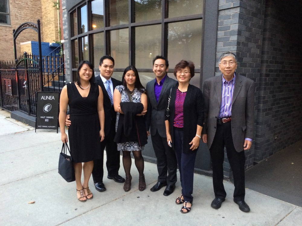 Pre-meal photo with the fam outside Alinea's unmarked and nondescript entrance. Time of entrance - 5:30pm.