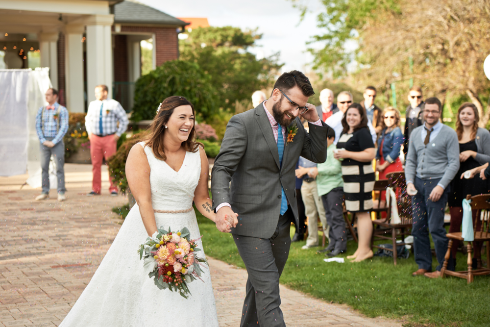 7 Things I Learned While Planning My Wedding Helping people to see