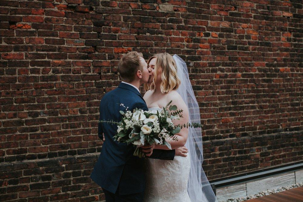 Downtown-Louisville-Surprise-Wedding_0013.jpg