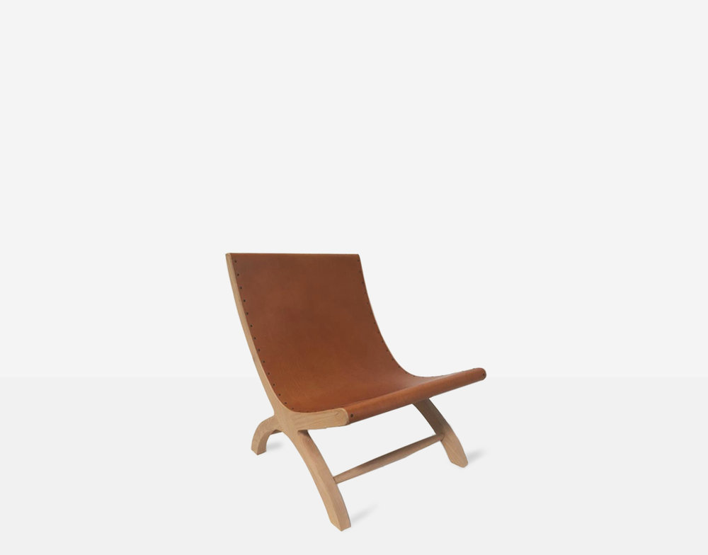BUTAQUE LOUNGE CHAIR