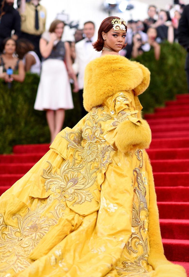 Rihanna in Guo Pei in 2015. imabeautygeek.com/