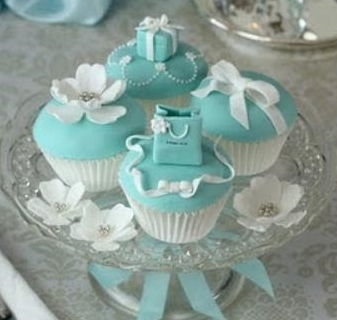 Day 2 -  Evening Session .   Fondant Figures.   Impress your friends and family with these Tiffany inspired fondant topped cupcakes.