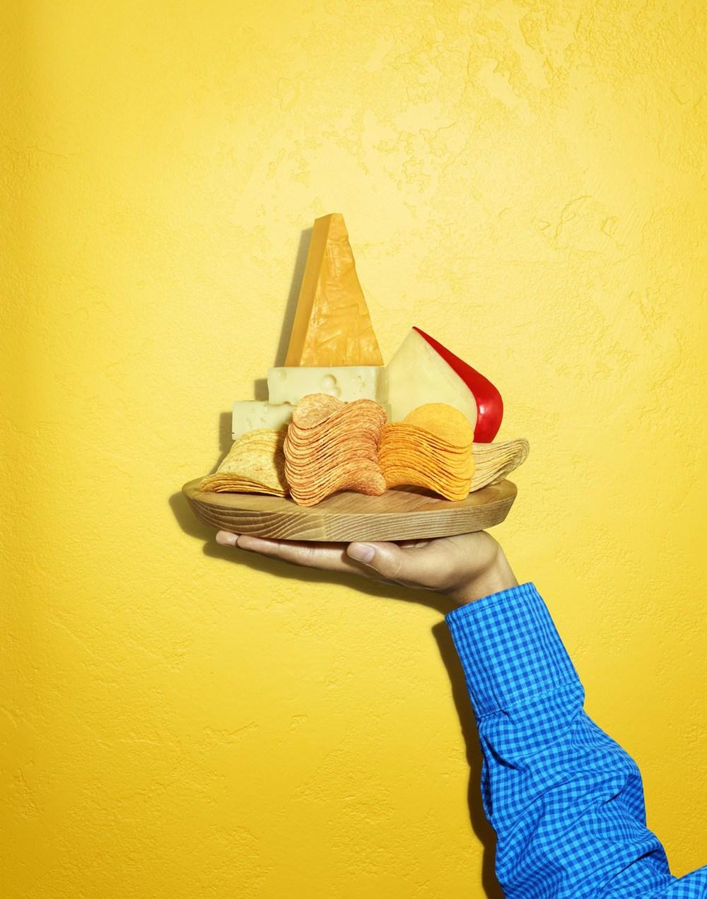 6pringles.cheese.jpg