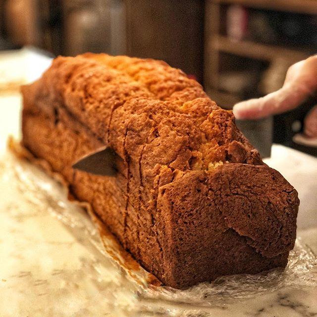 Pound Cakes for days! #loaf #poundcake #cake #cakelover #cakelife #ilovecake #cakecakecake #cakestagram #blueberry #blueberrycake #loafcake #cakestyle #cakedesign #cakesofinstagram #freshcake #cakecutting #cuttingcake #detox #cafe #patisserie #ues #uppereastside #kewgardensny
