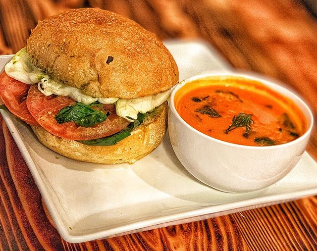 Basil, Pesto, Soup, and Cheese. Available on our brunch menu served daily #brunch #sandwich #pesto #basil #tomatosoup #sandwich #healthysandwich #health #mozzarella #tomatosoup #brunch #snack #soup #foccacia #healthyeating #tomato #platter #kewgardens #kg #ues #uppereastside