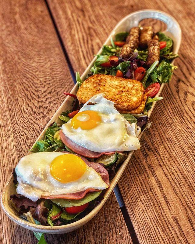English Breakfast Platter featuring Eggs, Sausage, Ham, Hashbrown, Baked Beans (not pictured) , Toast, and Lettuce. #englishbreakfast #sausage #brunch #ham #eggs #sunnysideup #hashbrown #breakfastplatter #wewantplates #brunchspecial #brunchmenu #brunchnyc #brunch #breakfast #lunch #meal #fillingmeal #nom #food #ues #uppereastside #kewgardensny #kg #yorkvilenyc #yorkville