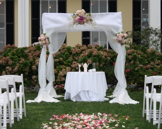 Chuppah - Fabric Pole Chuppah with Minimal Flowers and Medium Fabric (1,100)
