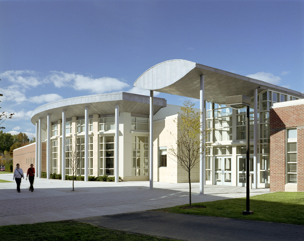 Bridgewater State College Dining Facility Residence Hall